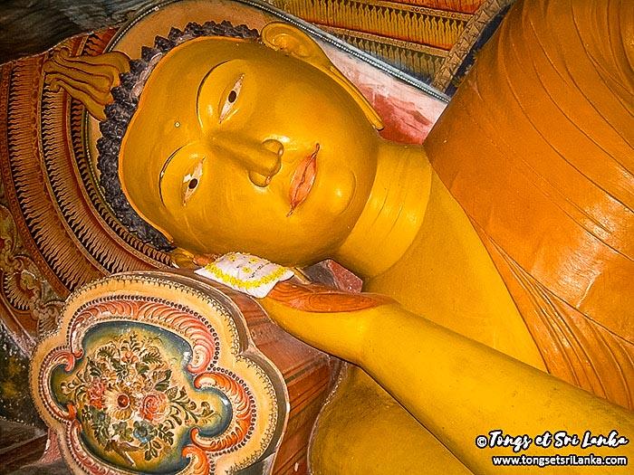 bouddha couché mulkirigala