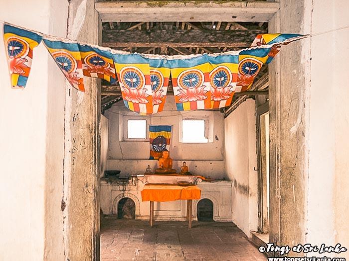 bouddha au sri lanka mulkirigala