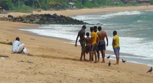 Trempette et surf artisanal à Tangalle au Sri Lanka!