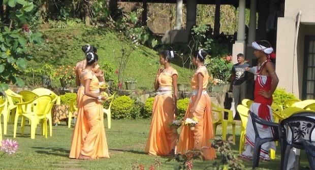 """""""Hé bien, dansez maintenant !"""" au Sri Lanka"""