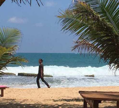 Beach boy a Tangalle