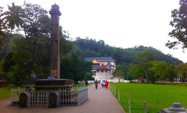 temple-de-la-dent-kandy