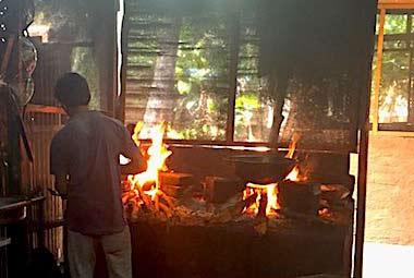 feu-de-bois-polonnaruwa