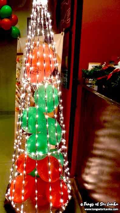 Sapin de Noël au Sri Lanka en ballons