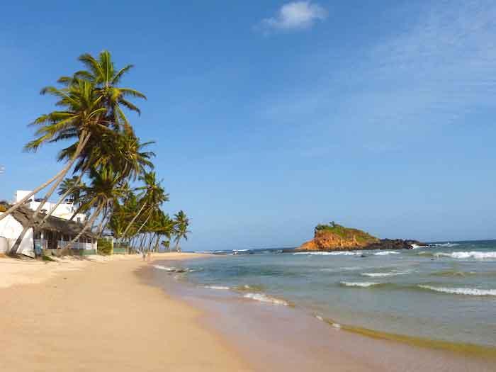 Tongs et Sri Lanka- Stage au Sri-Lanka - plage du sud