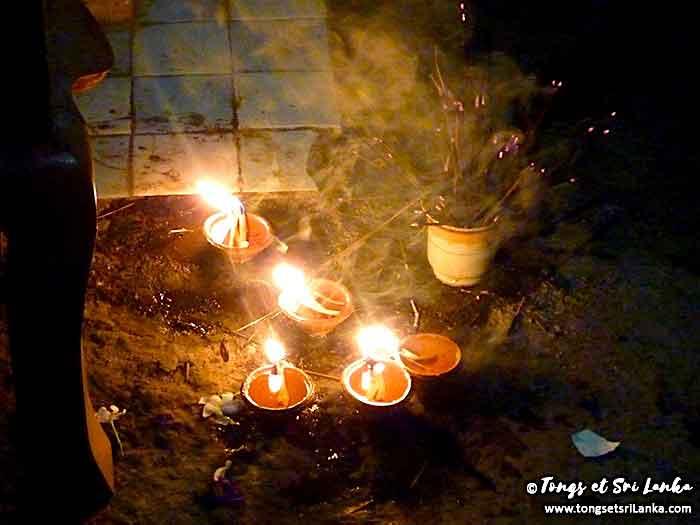 jour de poya par Tongs et Sri Lanka