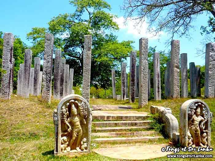 ruines à Anuradhapura