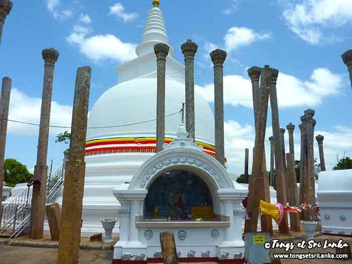 temple bouddhiste à Anuradhapura