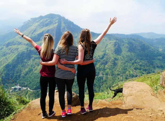 Voyager-au-Sri-Lanka-entre-filles-voyage-sri-lanka-ella-sommet-randonnee-little-adams-peak