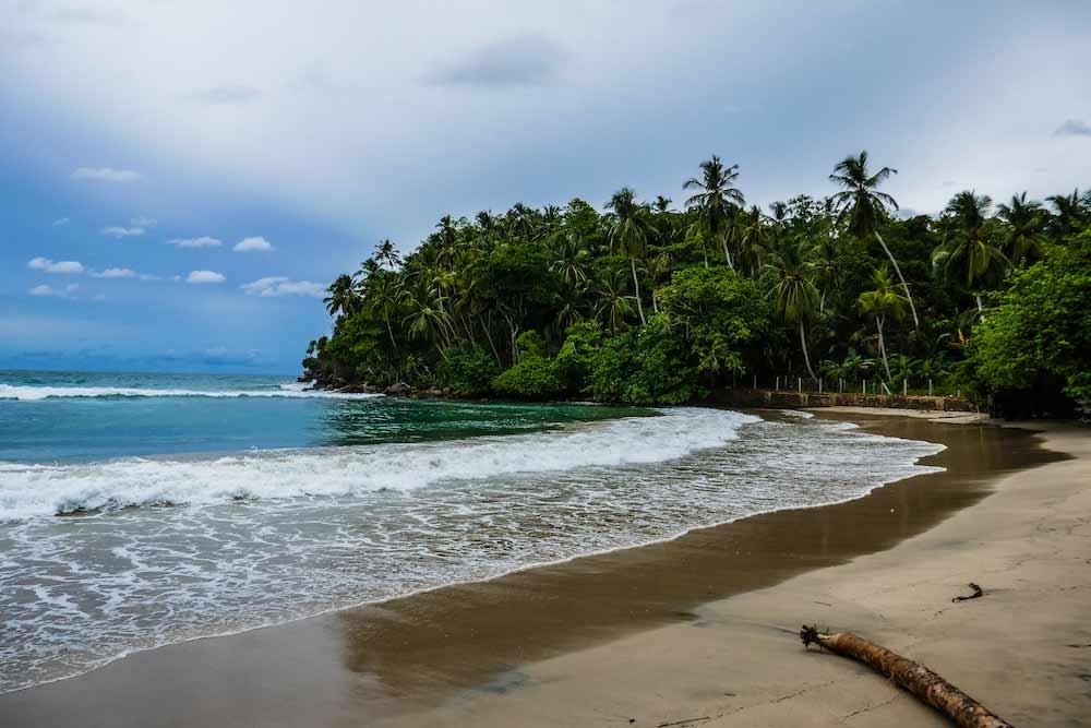 talalla beach sri lanka
