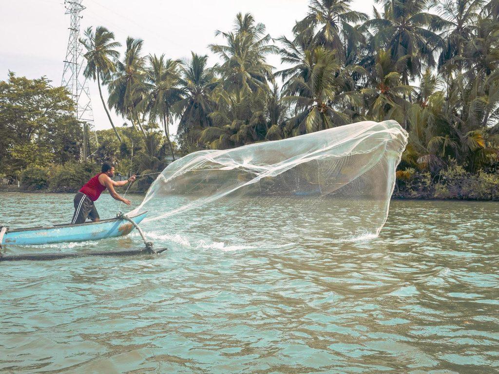 pêche sur la lagune de batticaloa