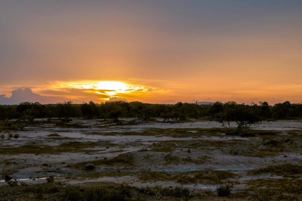 coucher de soleil à yala