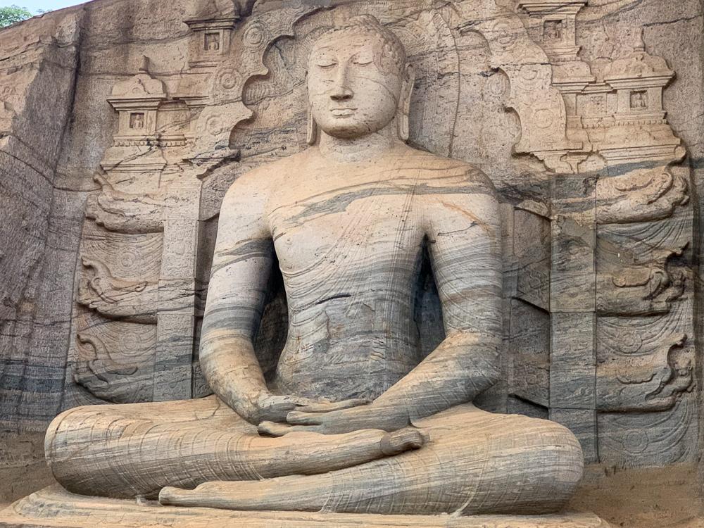 bouddha assis polonnaruwa