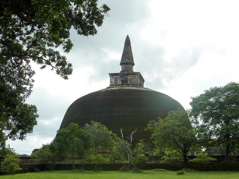 stupa geant polonnaruwa