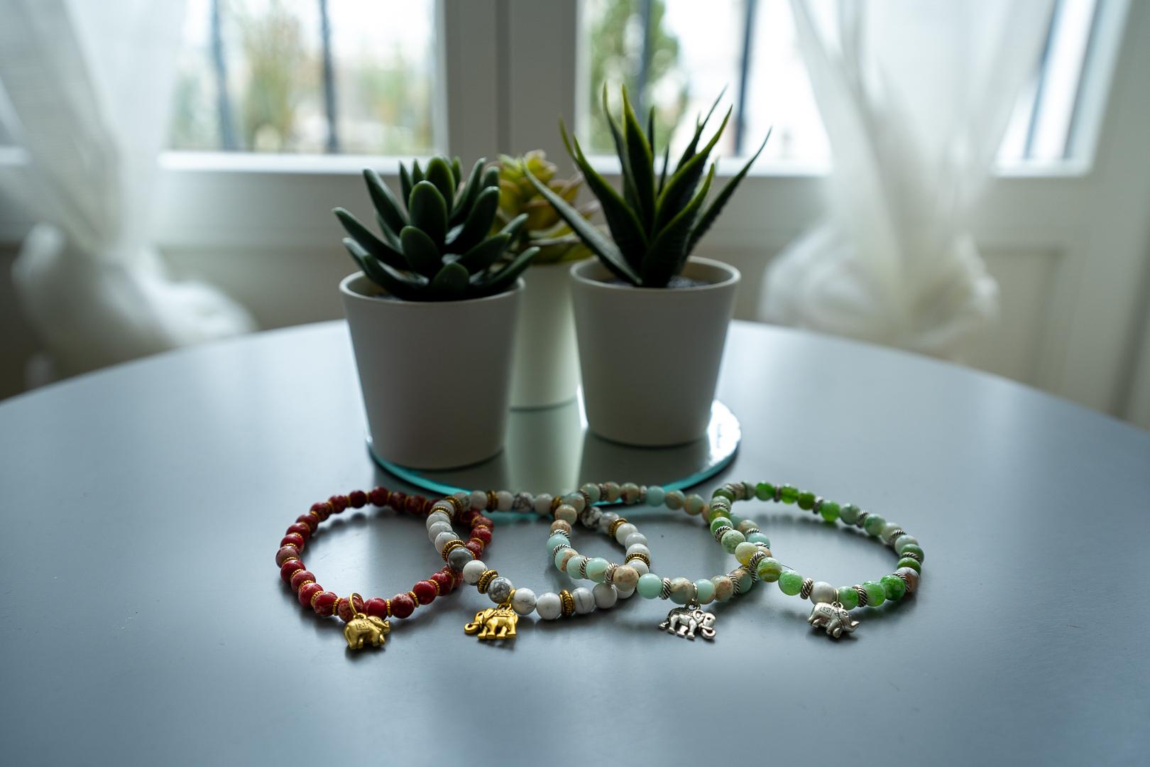 bracelets de prescilia produits locaux du sri lanka little turtle